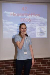 Julia Jansen begrüßte die Hexen im Namen der Luftsportjugend