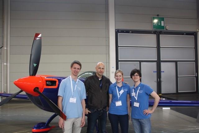 Ein Treffen mit Kunstflugpilot Toni Eichhorn wollten wir uns natürlich nicht entgehen lassen!